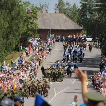 Võidupüha paraad Võrus 2016. Foto Võru linn
